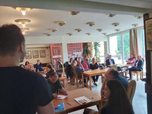 Stratégiai megbeszélésen a házak munkatársai